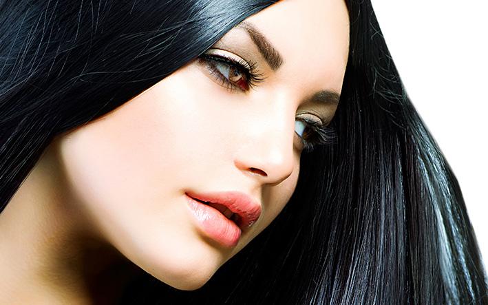 Linea de maquillaje Christian Faye